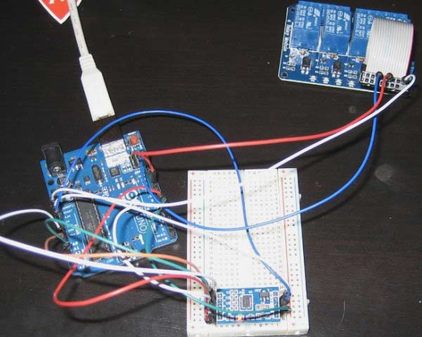 Arduino based Tilt to Unlock Lock Circuit