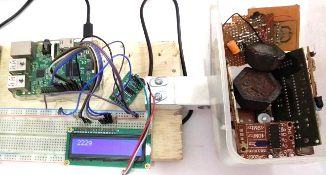 IoT Raspberry Pi Smart Container with Email Alert and Web