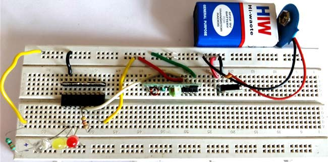 RF remote receiver circuit on breadboard