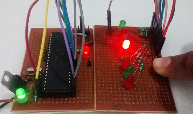 Timers-in-PIC-microcontroller-with-LED-blinking-sequence-1