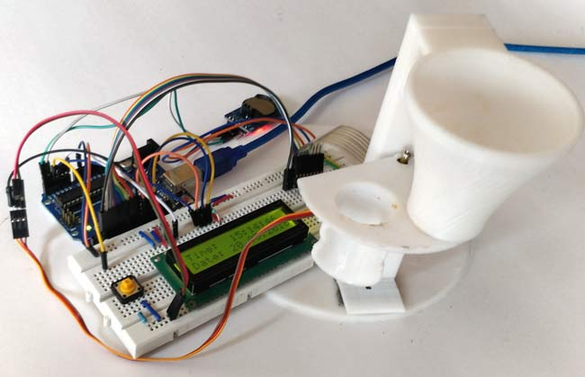 Automatic Pet Feeder using Arduino in action