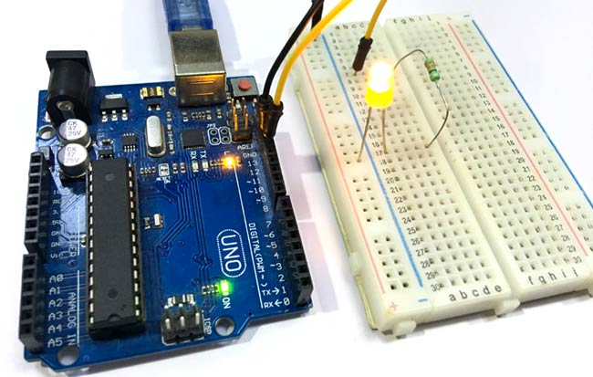 Circuit Hardware for Serial Communication between MATLAB and Arduino