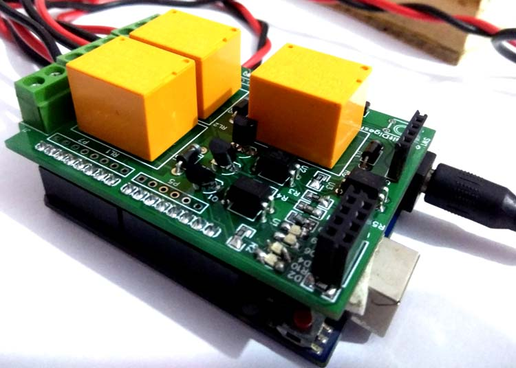 DIY Arduino Relay Driver Shield PCB in action