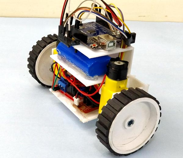 DIY Self Balancing Robot in action