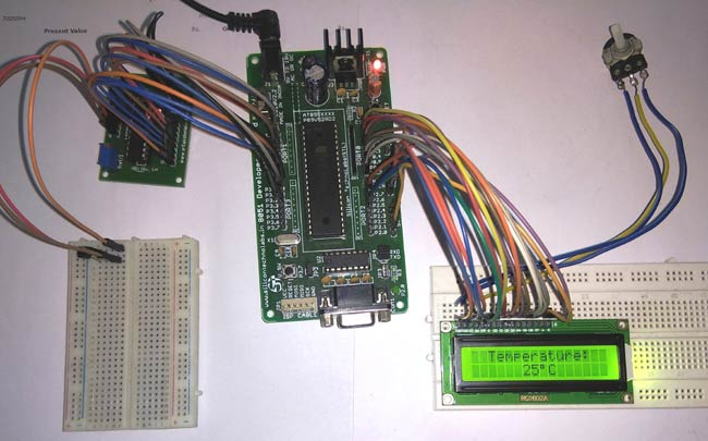 Digital Thermometer in action using LM35 and 8051