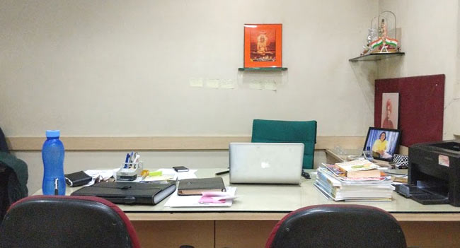 Shalaka CEOs workdesk