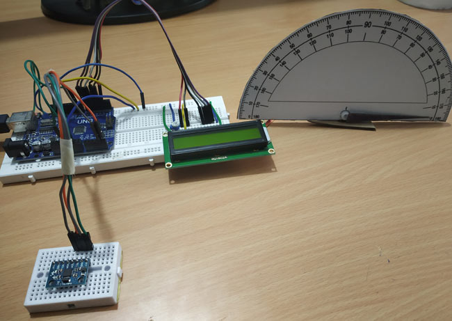 Circuit Hardware for DIY Arduino Protractor