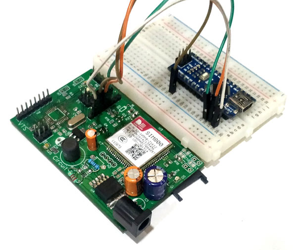 Circuit Hardware for DIY Location Tracker using GSM SIM800 and Arduino