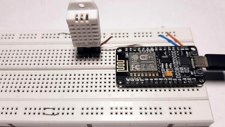 Interfacing NodeMCU with DHT22
