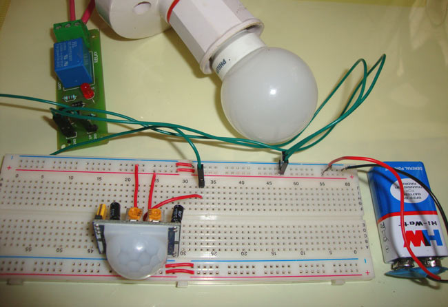 Automatic Room Lights using PIR Sensor and Relay: Circuit Diagram