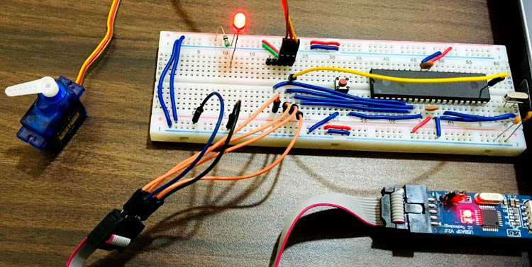 Interfacing Servo Motor with AVR Microcontroller Atmega16