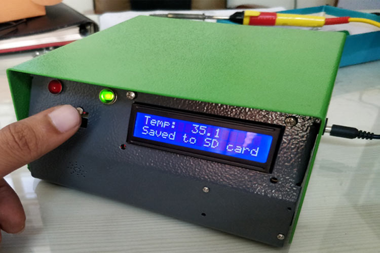 Wall Mount Digital IR Thermometer using Arduino