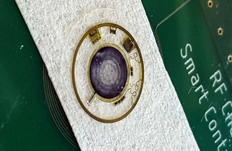 Artificial Iris Embedded in Smart Contact Lens