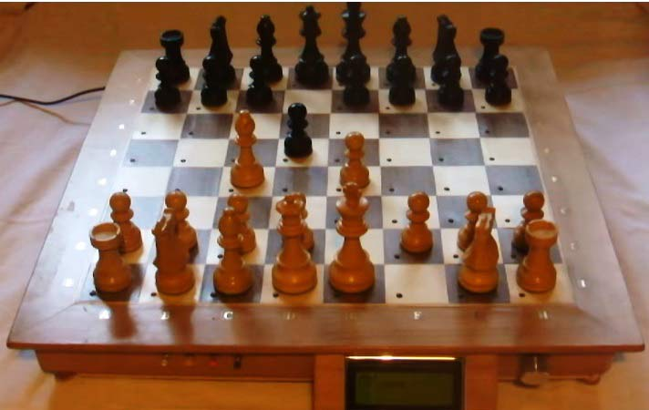 Computer Chess Board Using Raspberry Pi