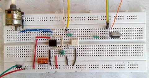 AC BULB Flashing and Blink Control Circuit using TRIAC and 555 Timer IC