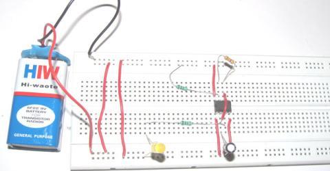 Simple Flashing LED using 555 Timer IC