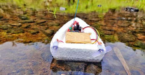 Arduino RC Boat using 433 MHz RF Modules