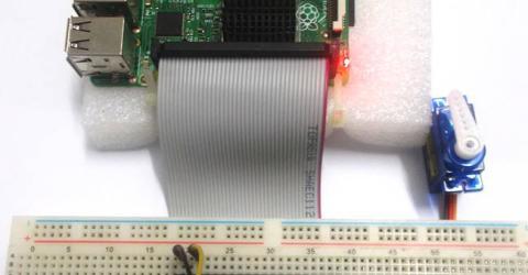 Servo Motor Control with Raspberry Pi
