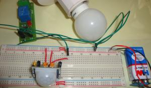Automatic Room Lights using PIR Sensor and Relay