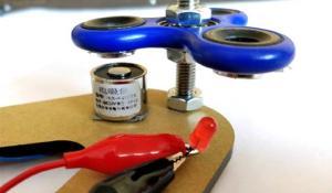 Fidget Spinner Electricity Generator