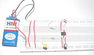 Simple Flashing LED using 555 Timer IC