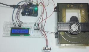 PIR Sensor based Automatic Door Opener Project using PIR Sensor