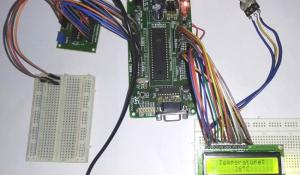 Digital Thermometer using LM35 and 8051
