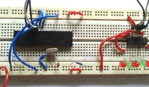 Interfacing 74HC595 Serial Shift Register with PIC Microcontroller