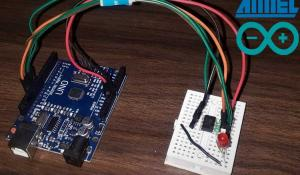 Programming ATtiny85 with Arduino Uno