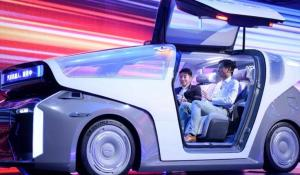 Baidu' Robocar with Second-Generation AI Chip Kunlun 2