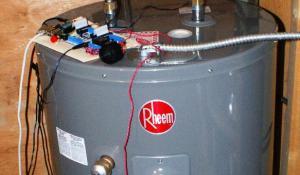 Raspberry Pi Hot Water Tank Leak Detector using SPI Modules
